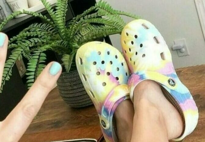 Help, crocs are back: because rubber shoes had a new sales boom